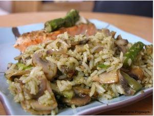 Łosoś z ryżem basmati i szparagami