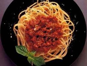 Spaghetti-z-sosem-bolońskim